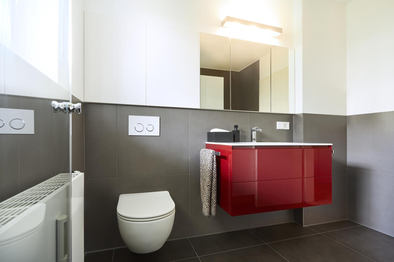 ... Auf Kleinem Raum Unterzukriegen. So War Es Auch Bei Diesen Bauherren:  Waschmaschine, Trockner, Stauraum Für Waschmittel, Bügelbrett Und  Handtücher, ...